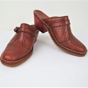 Vintage 1970s Brown Leather Buckle Clogs